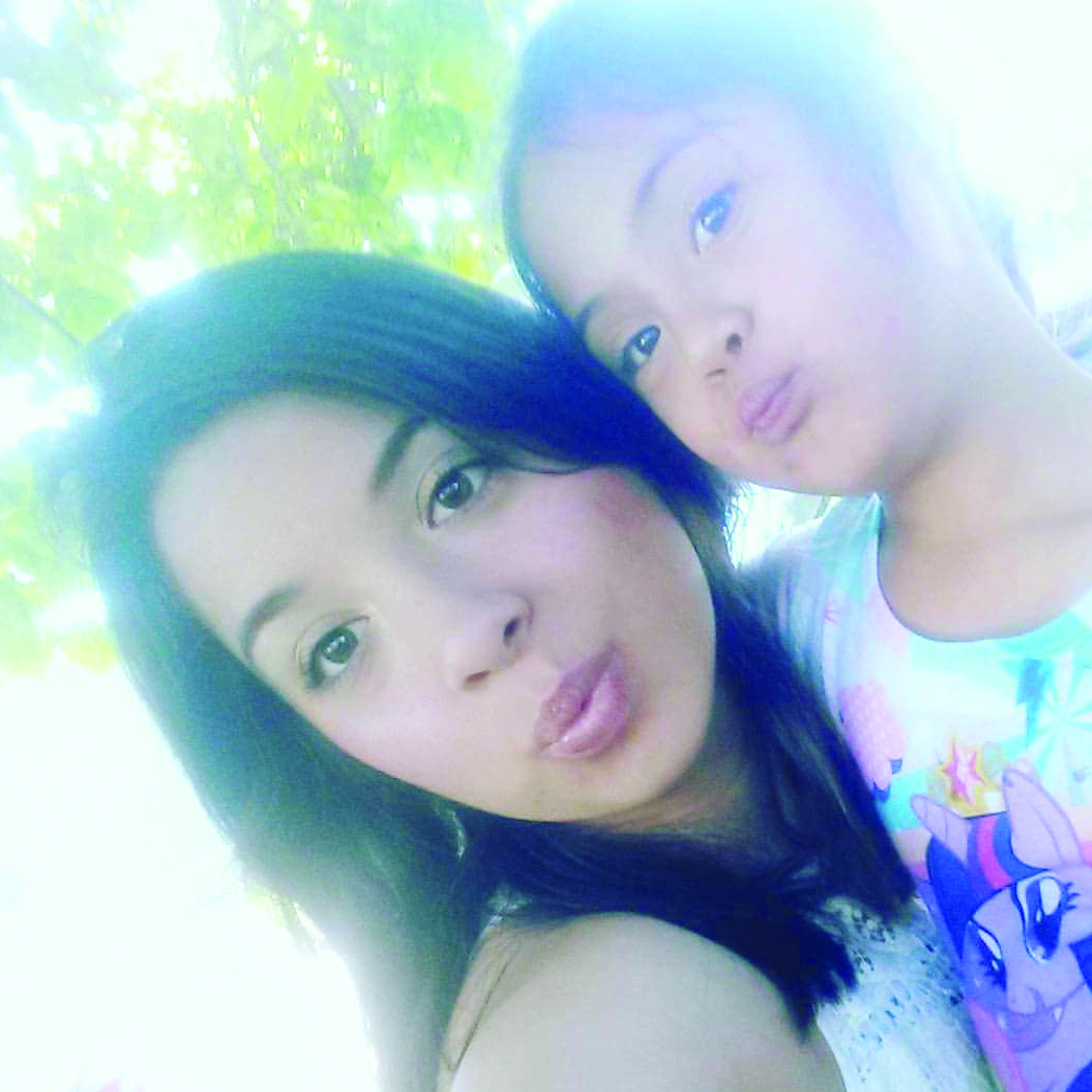 Lizette Mendoza and her sister