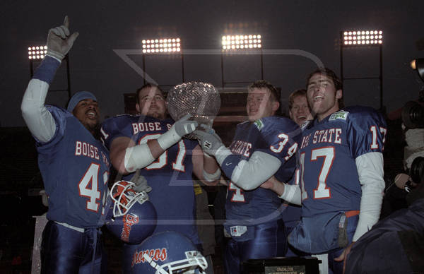 2000: Boise State Wins the Humanitarian Bowl