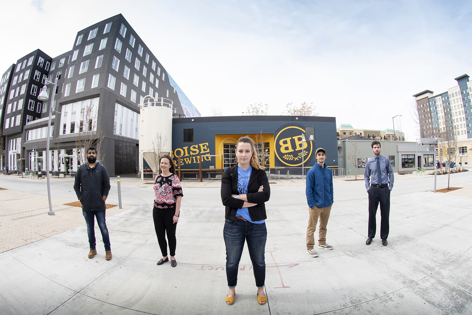 5 students in front of Boise Brewing