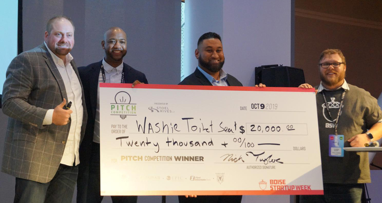 team Washie Pitch Comp Winners with big $20,000 check