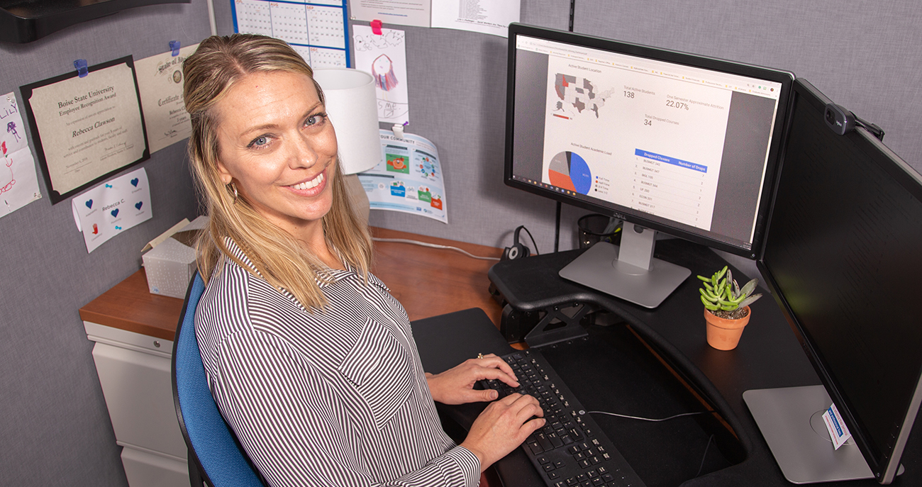 Rabecca Clawson, Student Success Advisor to online students at Boise State, uses analytics to track student progress.