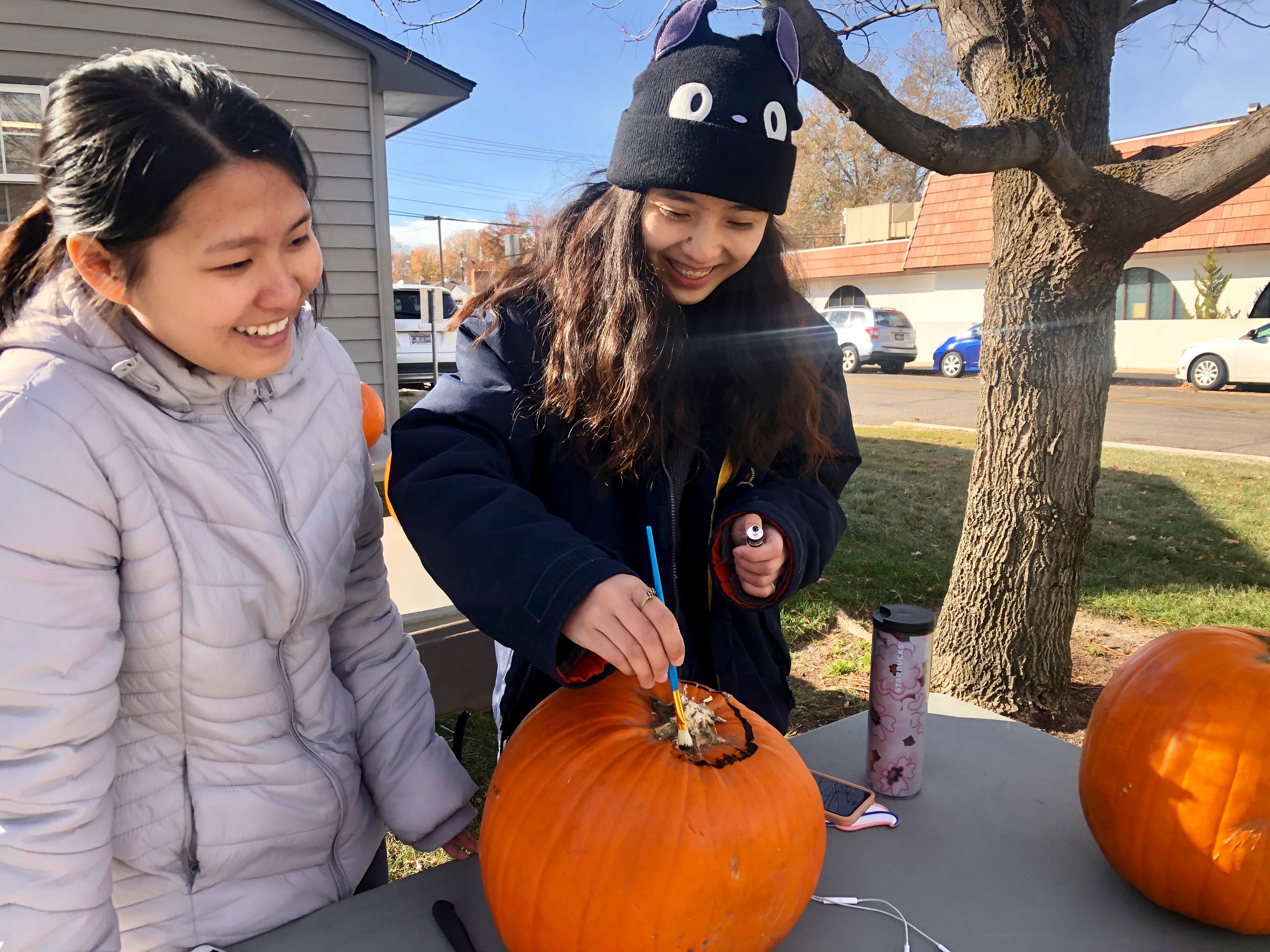 TRS students carve pumpkins 2019