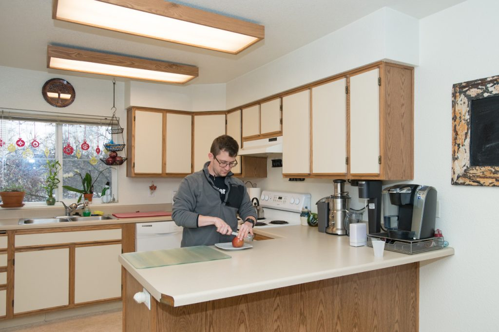 4_hrl_village_kitchen_images